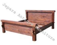 Tempat Tidur Antik Model Rustic