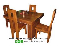 Set Meja Kursi Makan Untuk Cafe