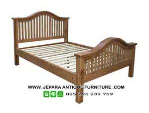 Tempat Tidur Jati Natural