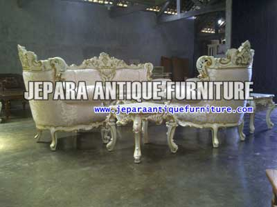 Model Furniture Mewah