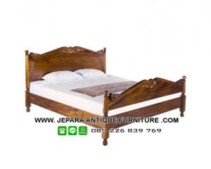 Tempat Tidur Jati Model Klasik