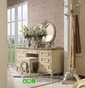 Model Furniture Mewah Meja Rias Duco